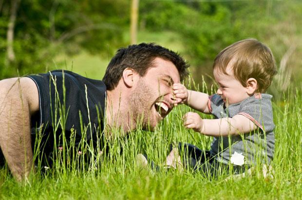 Право отца общаться с малышом